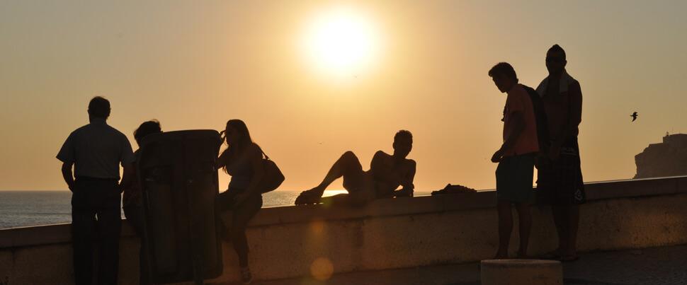 Sunset-in-Nazare-at-the-Mariginal-solnedgång-på-Silverkusten