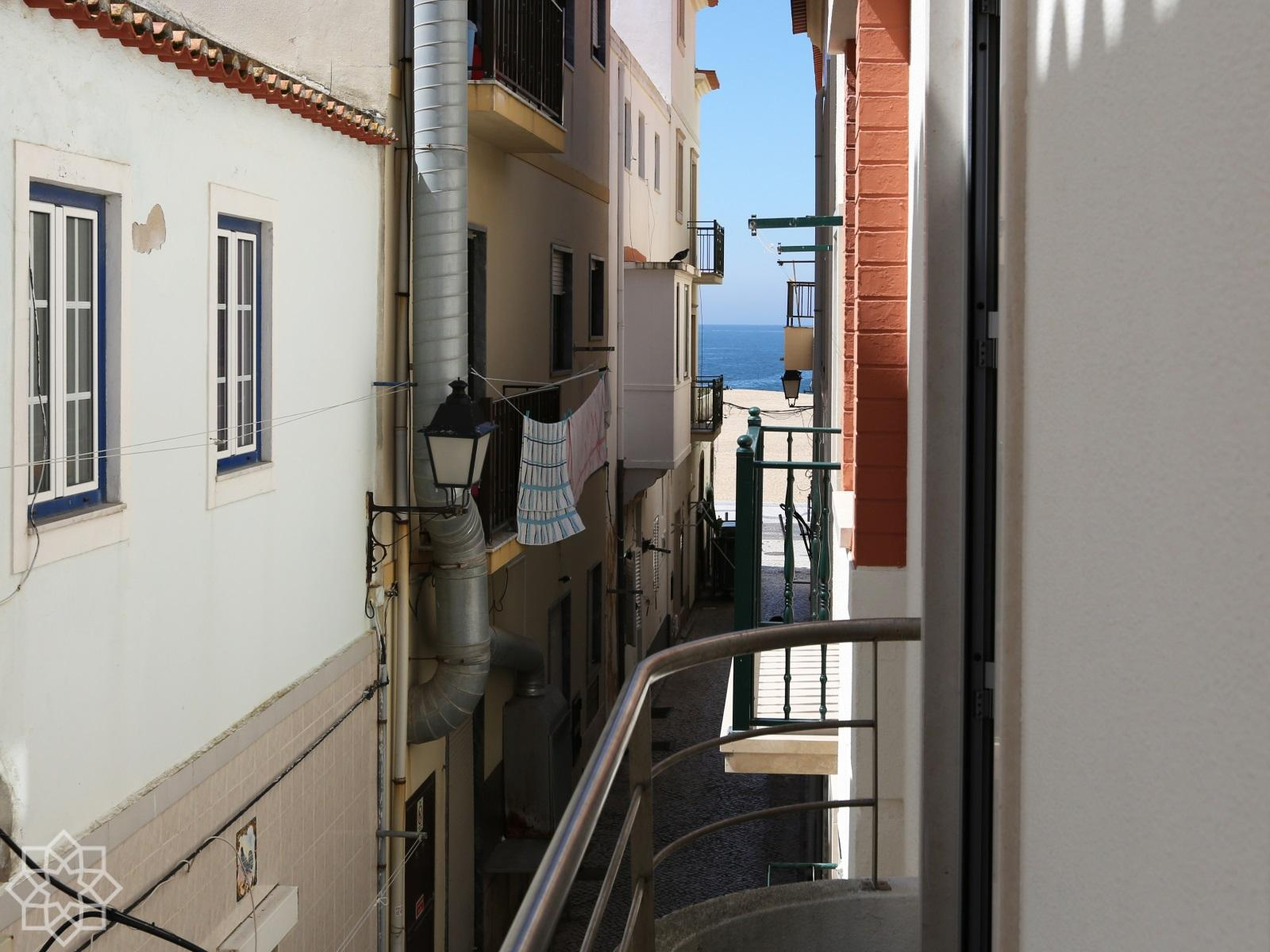3 bedroom apt 50 m from the beach in Nazaré