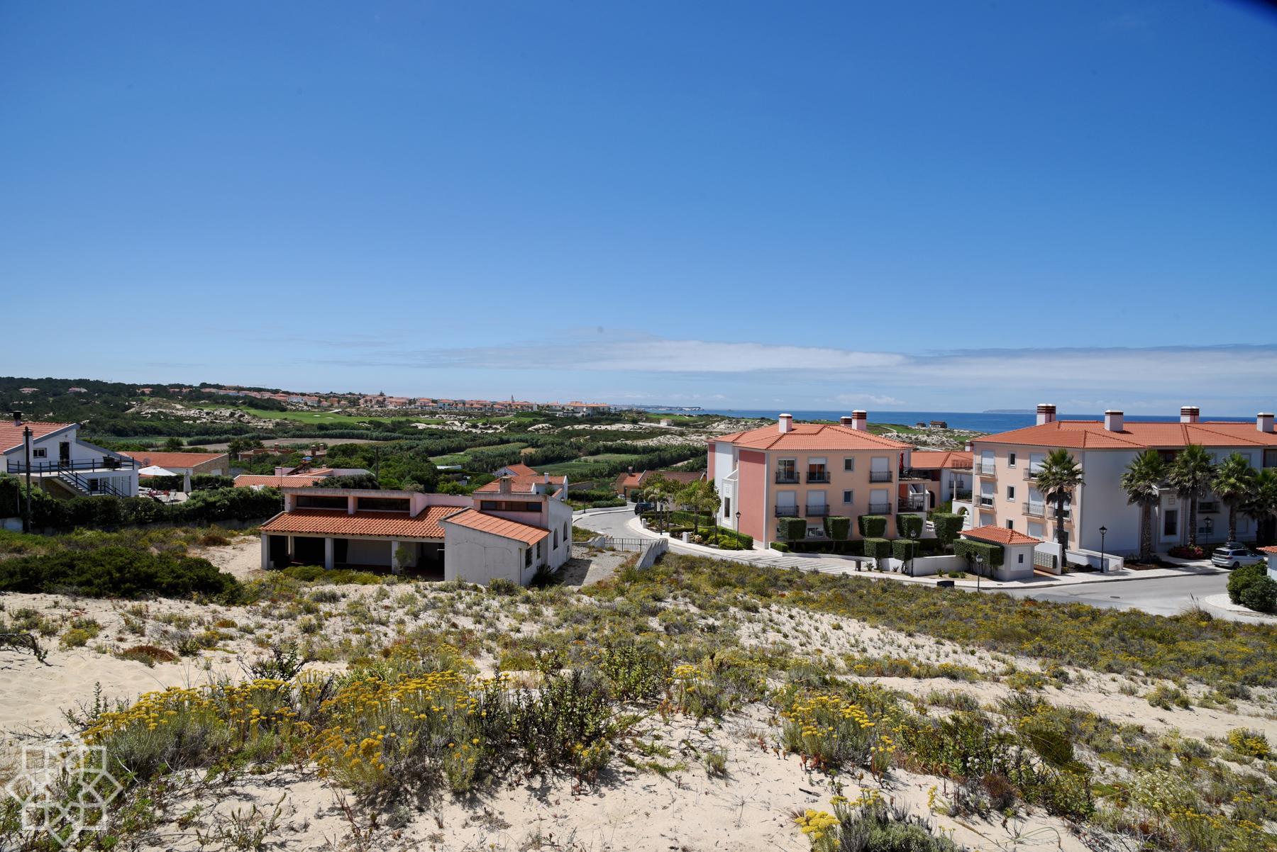2 byggklara villatomter på Praia d´el Rey