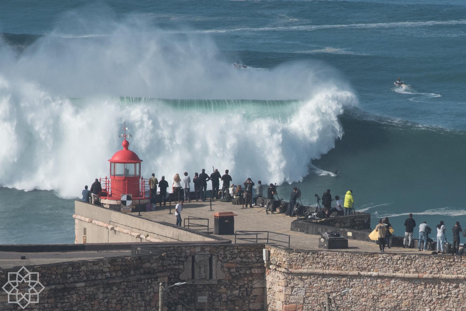 Big waves in Nazaré