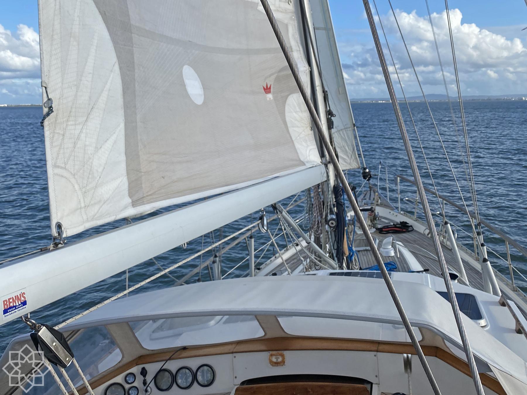 Segla med Båtagent och Portugalagent på Tejo i Lissabon