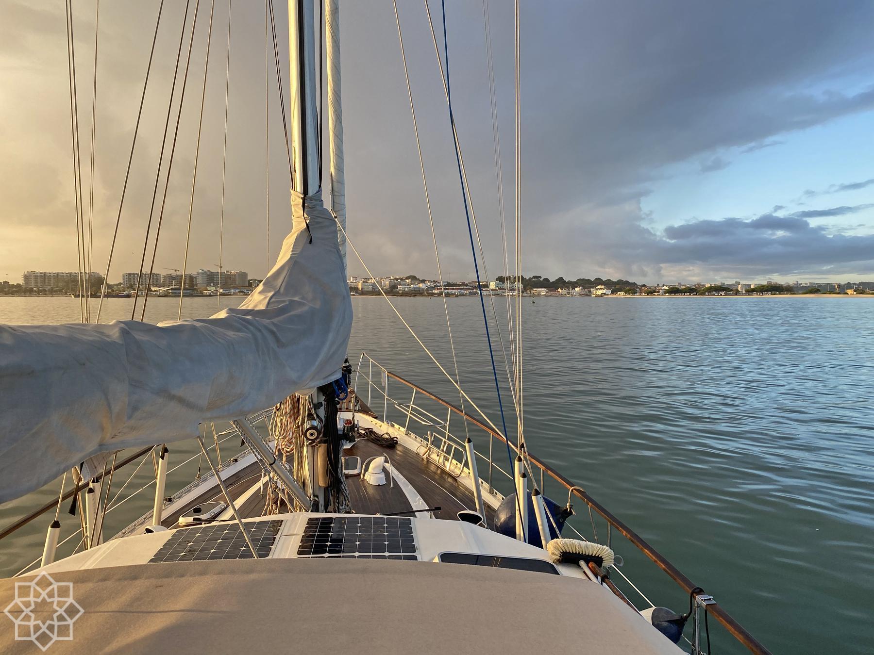 Lissabon - Seixal transportsegling och båtförmedling