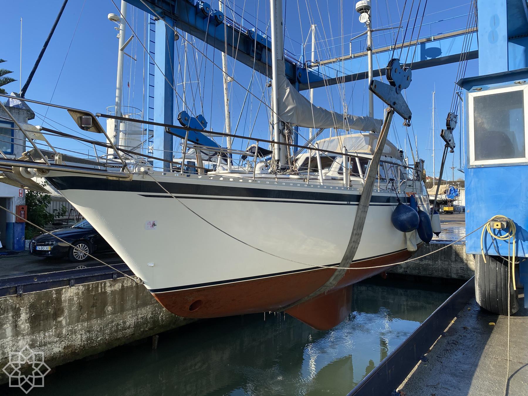 Upptag och besiktning - Tagus Yacht Center Lissabon