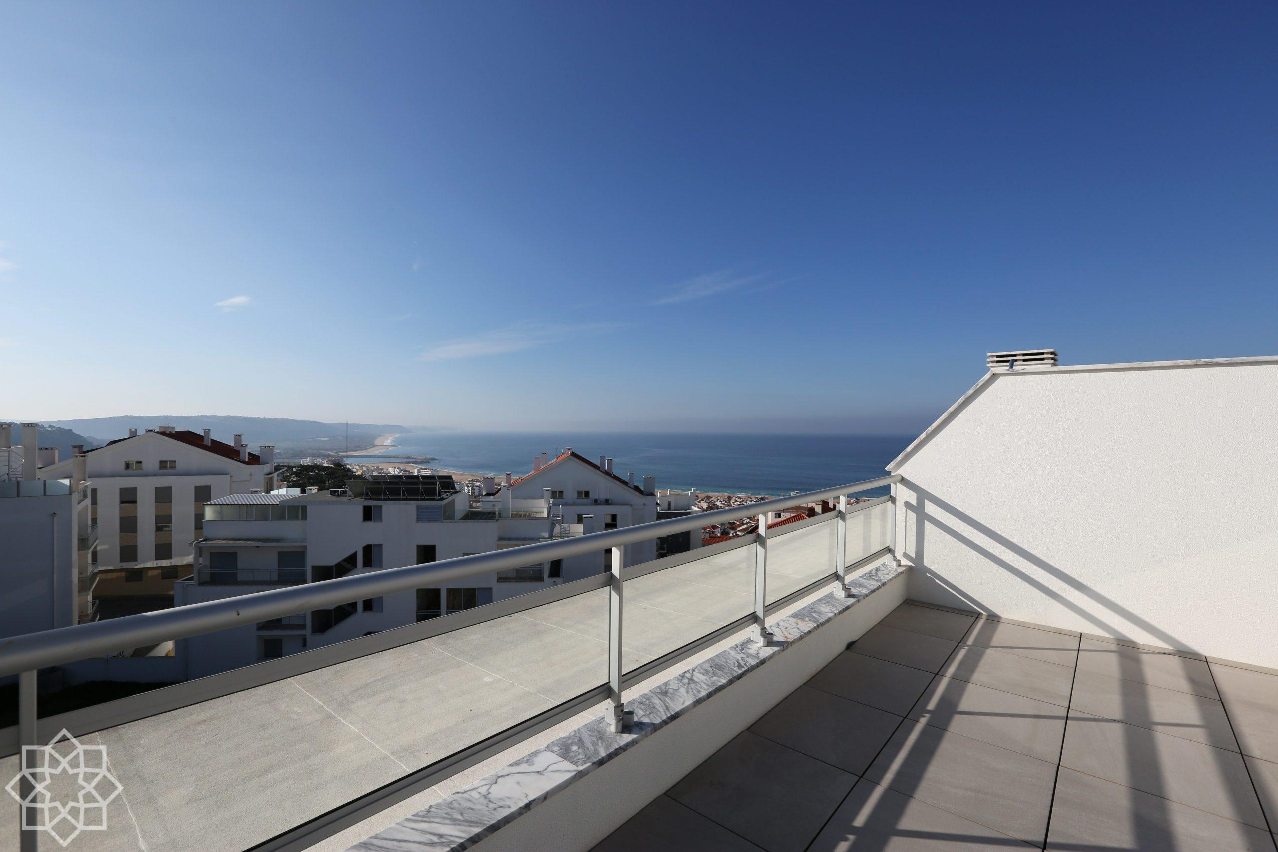 3 bedroom apartment with private terrace, Nazaré