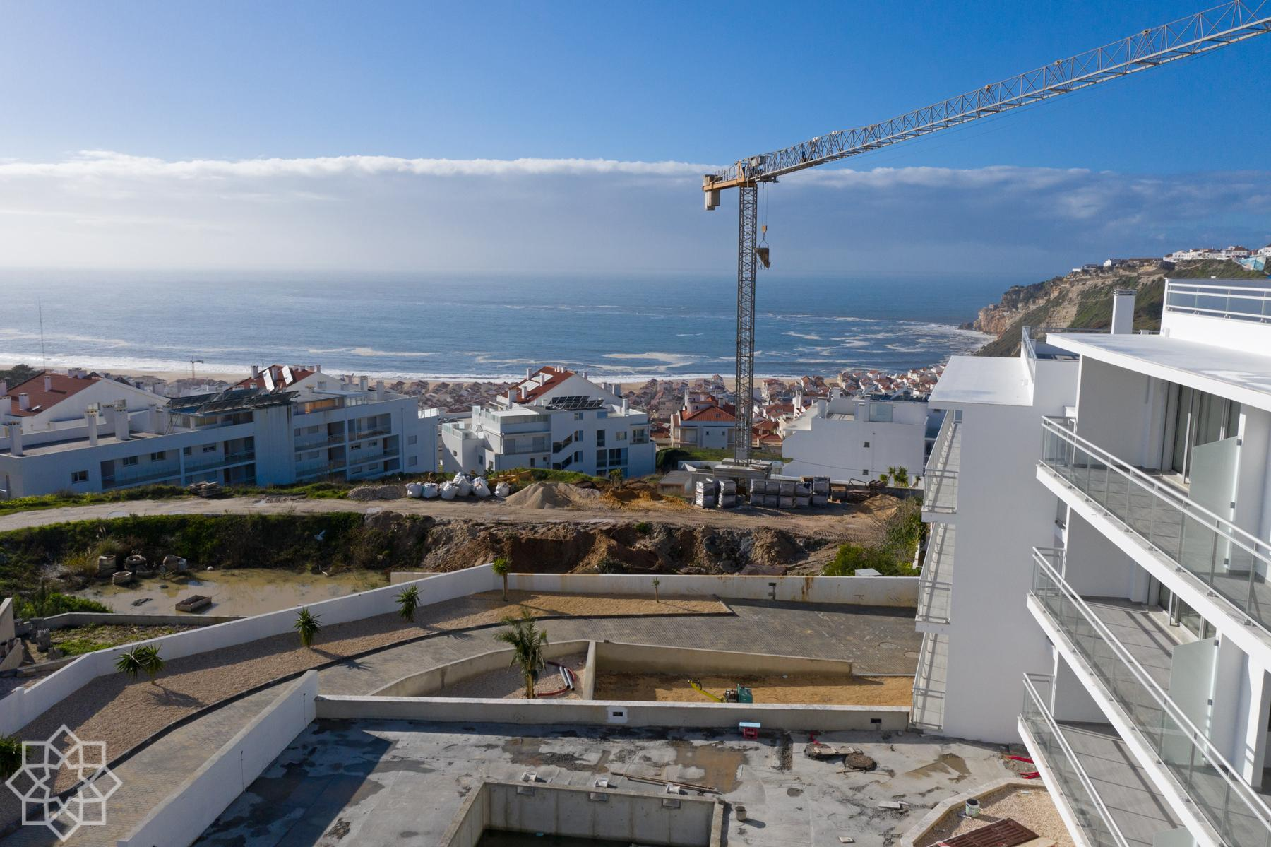 Mar Atlantic – New development in Nazaré. Balcony, sea view, pool