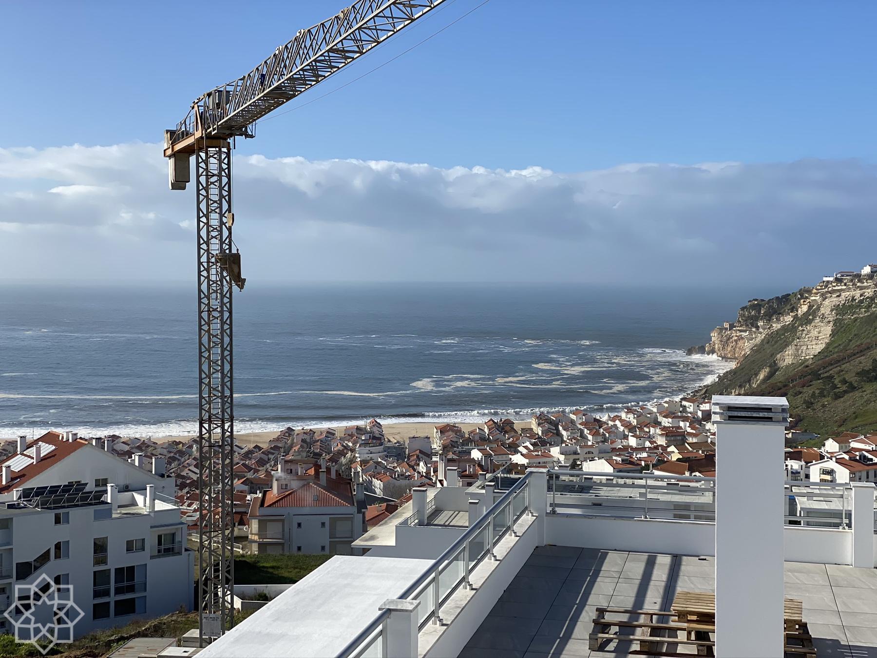 Från den privata takterrassen. T2 högst upp i Block 2.